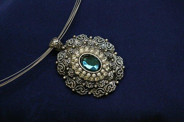 starý náhrdelník