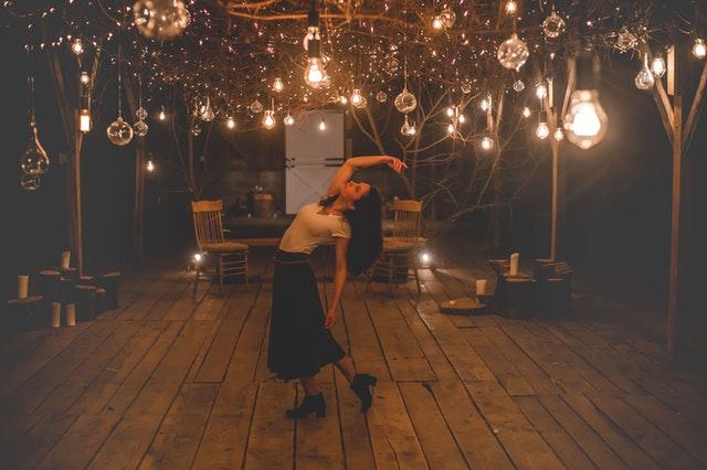 osvětlení, žárovky, tanec